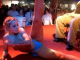 Vidéo porno mobile : Girls take their clothes off at the erotic show of Mulhouse